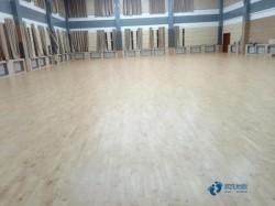 悬浮式篮球木地板施工