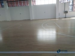 哪有篮球场地板品牌